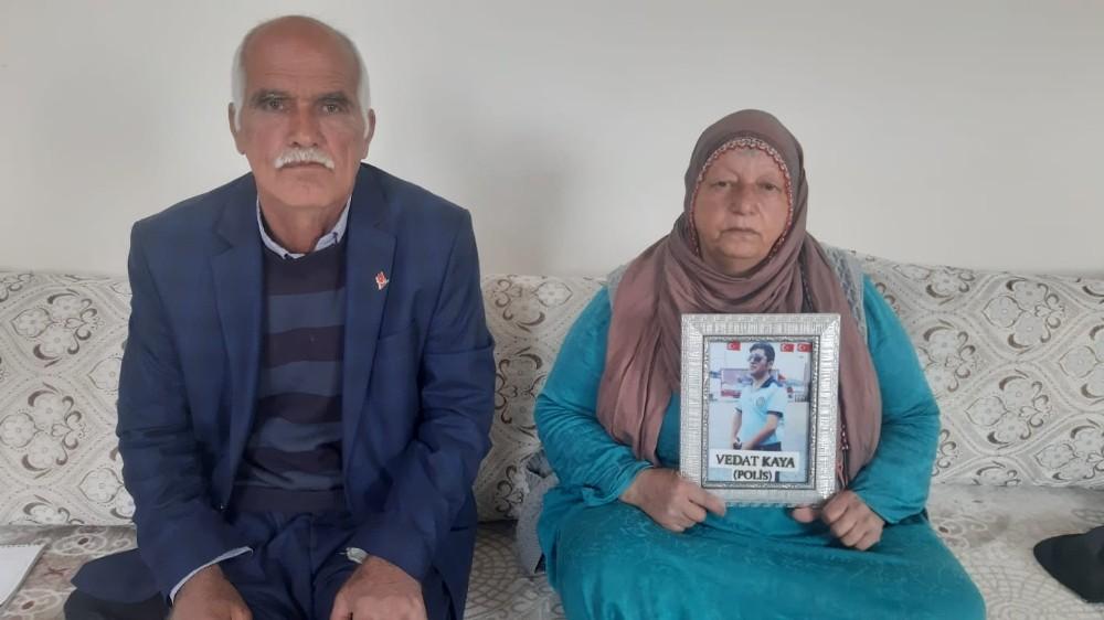 Evlat nöbetine Mardin'de devam ediyor