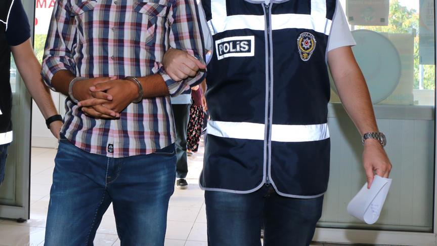 Yolsuzluk operasyonunda 8 kişi tutuklandı