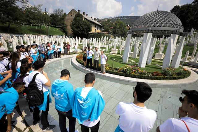"""""""Eğitim Köprüsü"""" Mardinli öğrencileri  Bosna Hersek'e getirdi"""