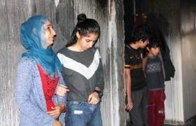 Evi yanan aile destek bekliyor
