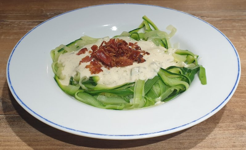 Zoodles with bacon alfredo sauce