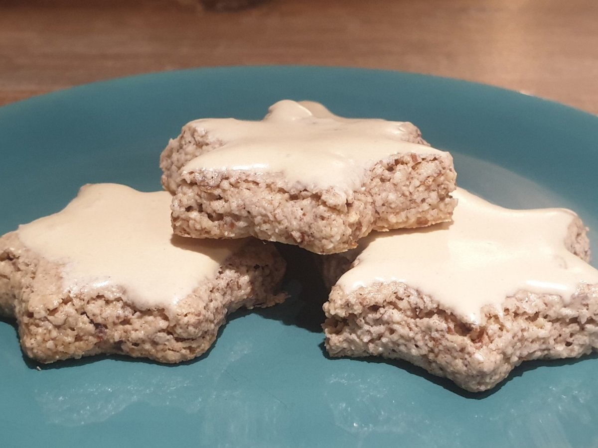 low-carb cinnamon star cookies