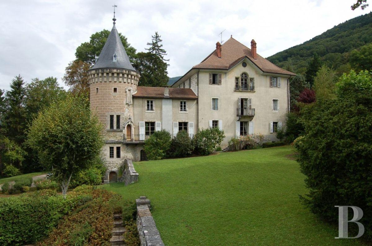 Immobilier suisse : un château au prix d'un appartement