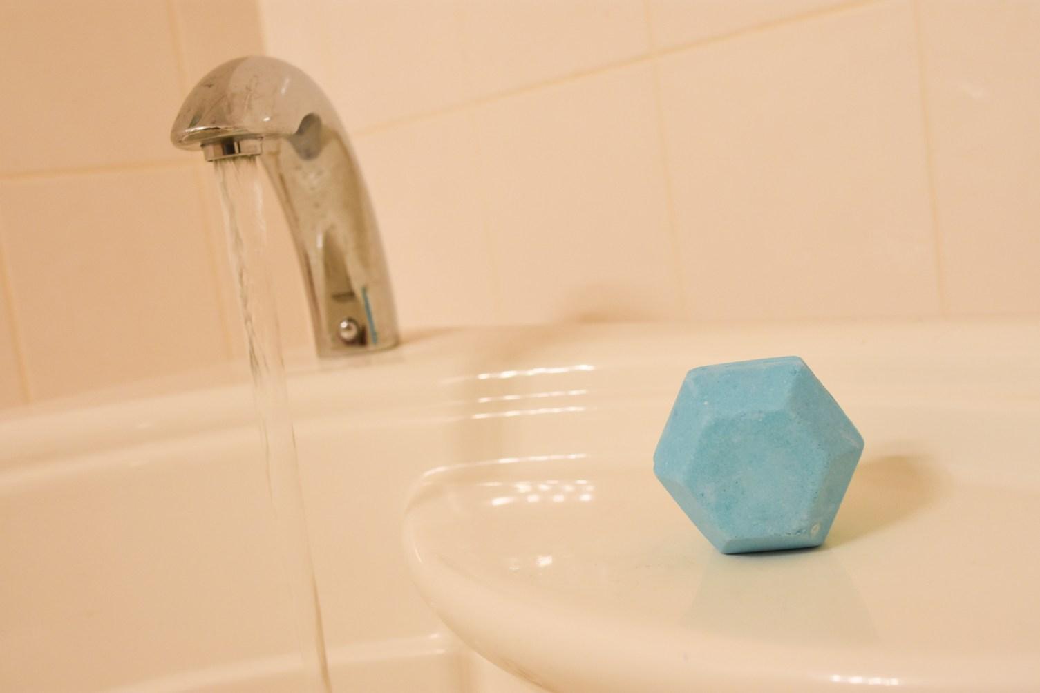 Magic Lush Bath Bomb