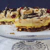 Raw lemon curd ice-cream cake with taco crunch
