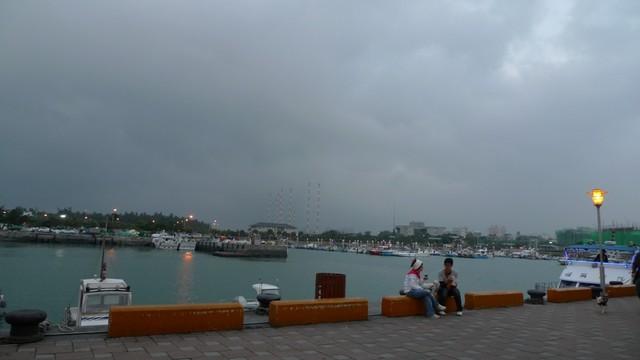 從淡水搭船去漁人碼頭 – 瑪格。圖寫生活
