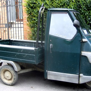 Small Trucks in Italy – APE