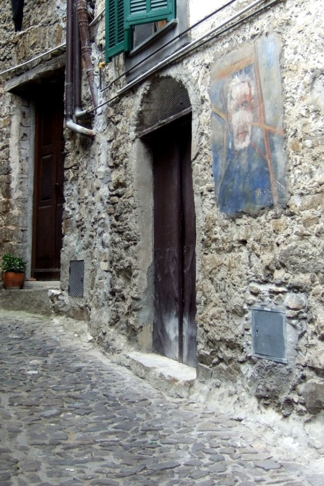 Apricale art on walls