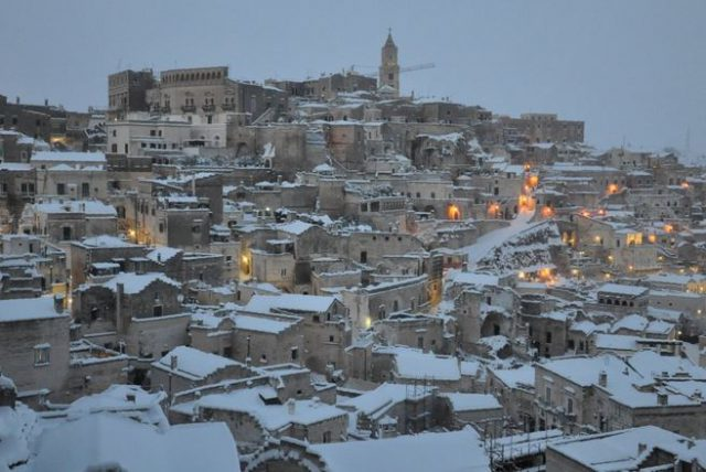 Snow in Matera by Francesco Morelli https://twitter.com/teorema57m