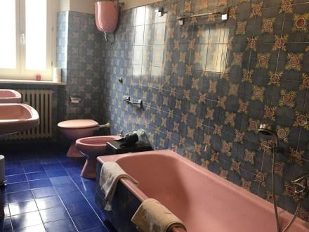 Palazzo Donati bathroom photo by Margie Miklas