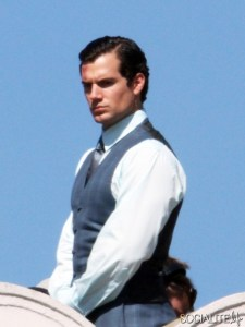 henry-cavill-man-from-uncle-set-100132013-03-435x580