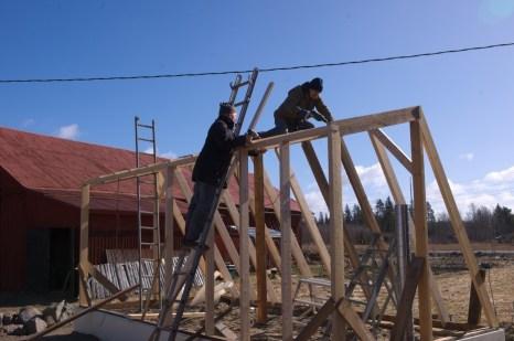 Anbringen der Dachträger