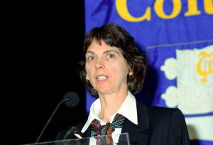 Margo Fryer speaking at UBC's 1999 downtown AGM