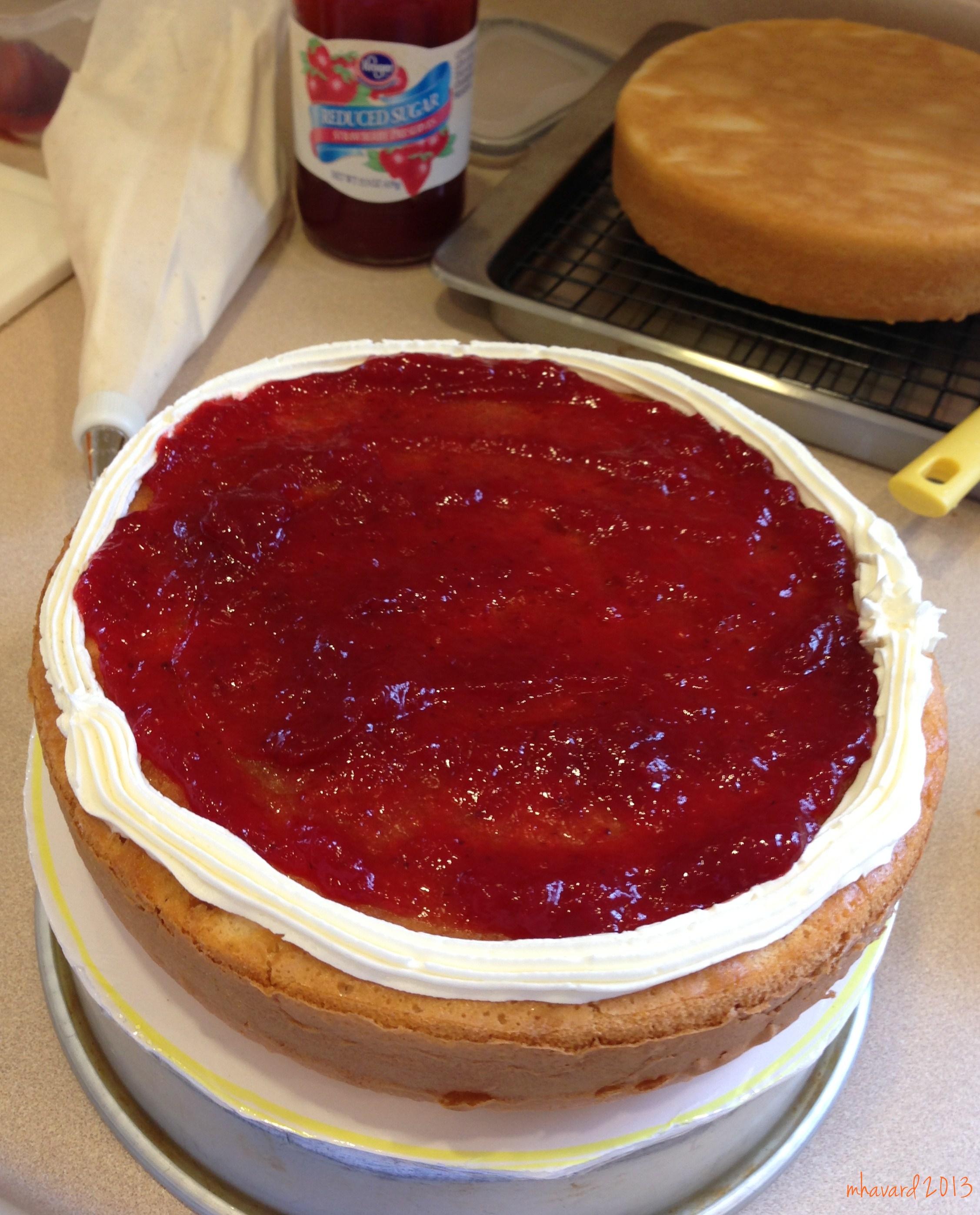 strawberry preserves cake filling