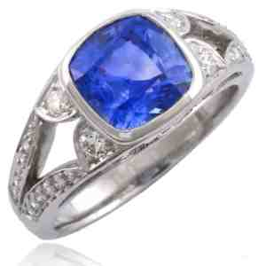 Cushion-shape Sapphire & Diamond Ring Image