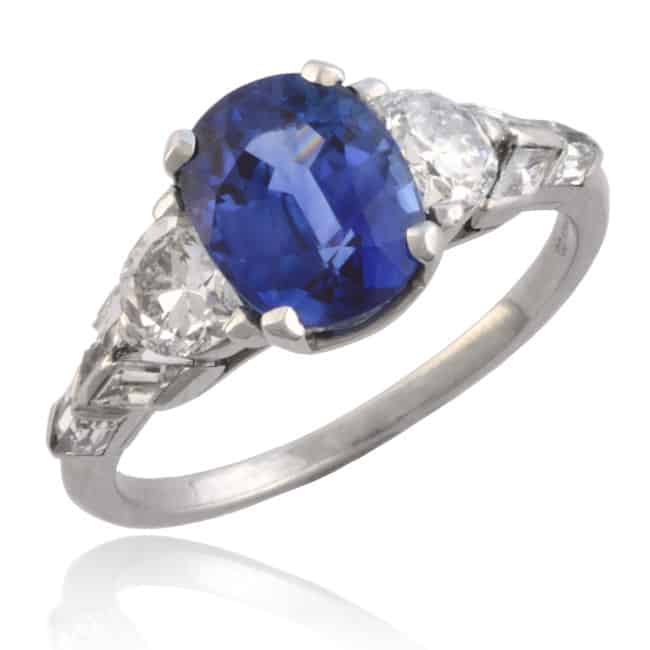 Oval Blue Sapphire & Diamond Ring Image