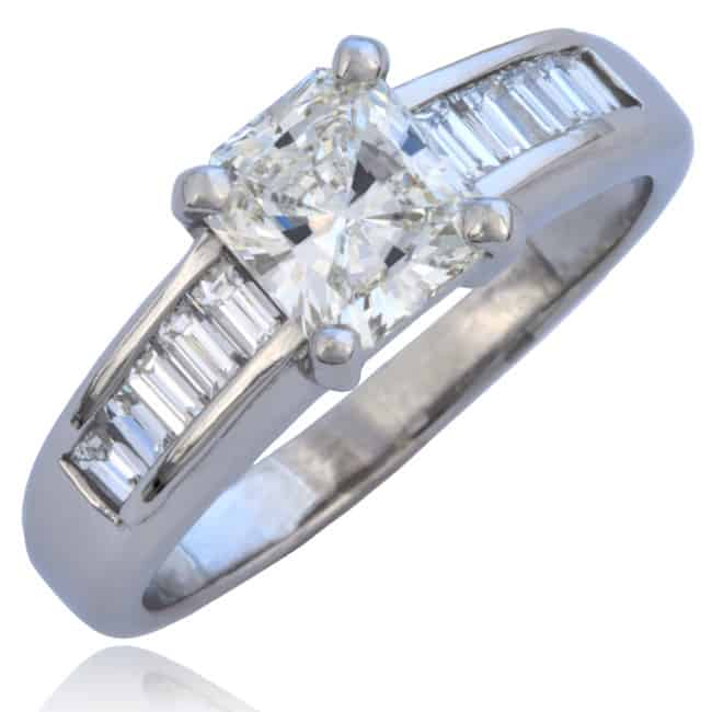 Radiant cut Diamond Ring Image