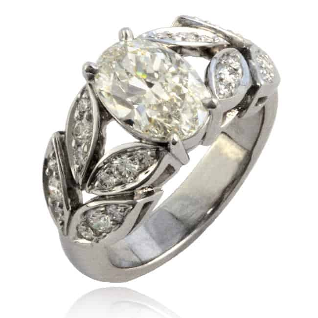 Oval Diamond Ring Image
