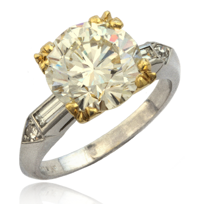 Traditional Diamond Ring Image