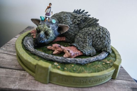 Unboxing-The-Last-Guardian-collector-02