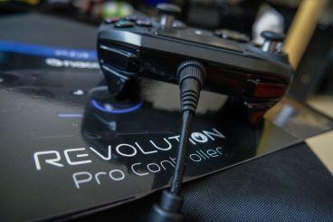 PlayStation-4-Revolution-Pro-Controller-Nacon-07