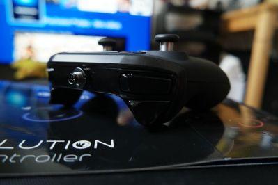 PlayStation-4-Revolution-Pro-Controller-Nacon-18