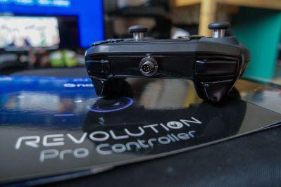 PlayStation-4-Revolution-Pro-Controller-Nacon-19