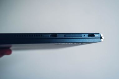 LENOVO-Yoga-Book-03