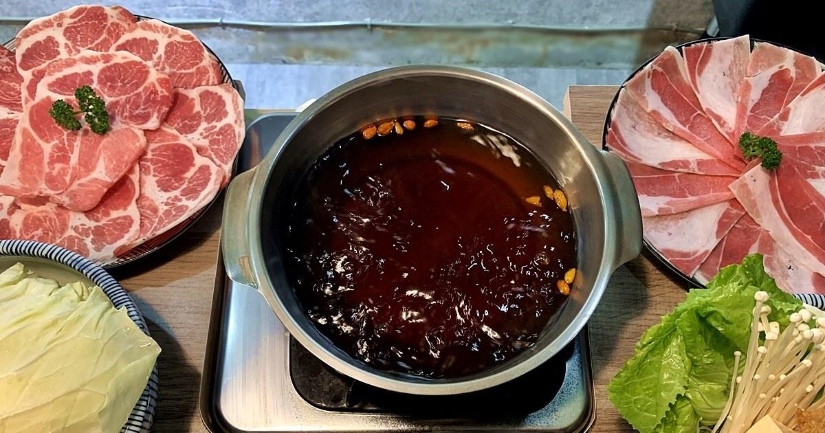 台中西區美食 老式吃鍋 勤美商圈旁的超值小火鍋 每日現熬湯頭 給料新鮮豐富