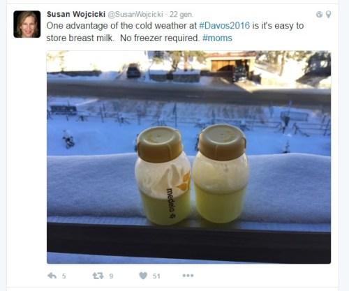 Yo me he sacado leche en el lavabo del AVE. Susan lo hace en el foro DAVOS.