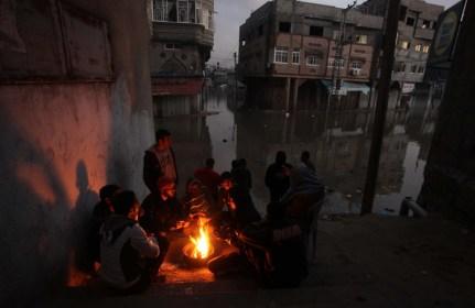Invierno de lluvias, oscuridad y frío en Gaza.