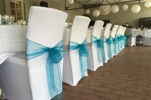 pop-colore-decoration-mariage-evenement-toulouse-housses-de-chaises