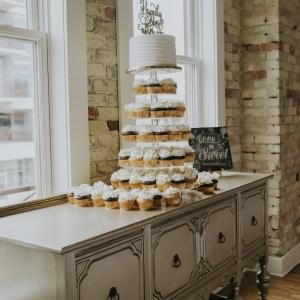 Traiteur mariage, gâteaux de mariage, mets, culinaire, pièce montée cupcakes