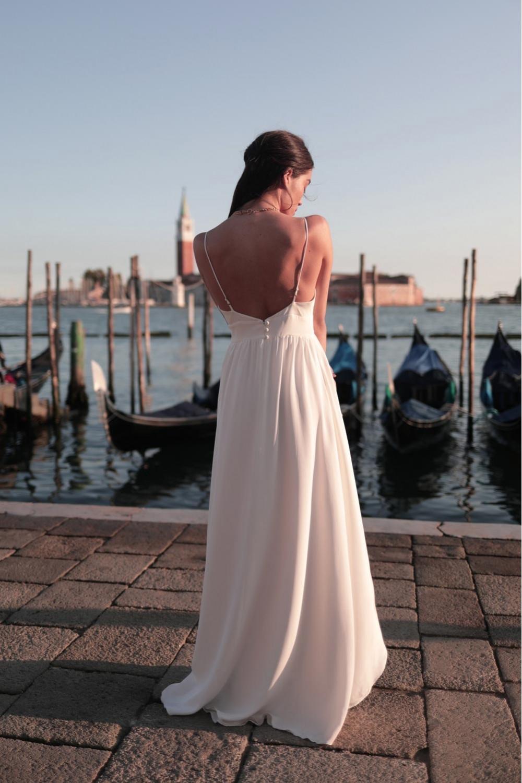 robe de mariée, collection mariage 2021, Maison Lemoine Paris, robe dos nu, fines bretelles