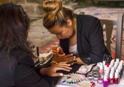 nails & colors bar à ongles itinerant bretagne pays de la loire 44 56 29 35 85 72 22 53 mariage breton animation originale nail art motif sur ongle creatrice