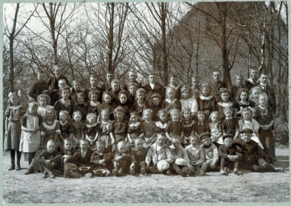 Asnæs School and Emry about 1908