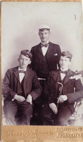 Emry to the right with his student freinds in Jonstrup about 1900