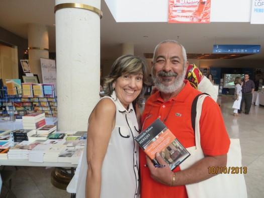 La escritora Georgina Lázaro y Leonardo Padura