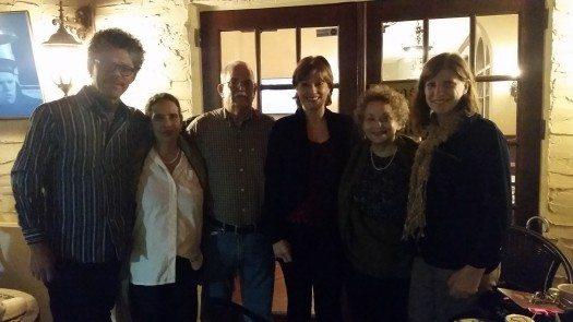 Alberto Cabrales, Pastora Hernández, Sr. Hernández, María Juliana Villafañe, Lourdes Vázquez y Susana Della Latta.