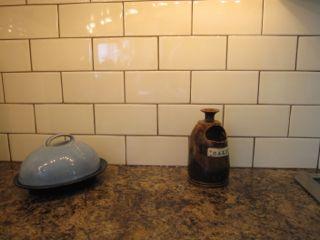 biscuit subway tile backsplash