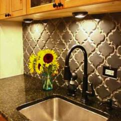 Small White Kitchen Island Aid Mixer Deals Do's & Don'ts For Decorating With Black Tile - Maria ...