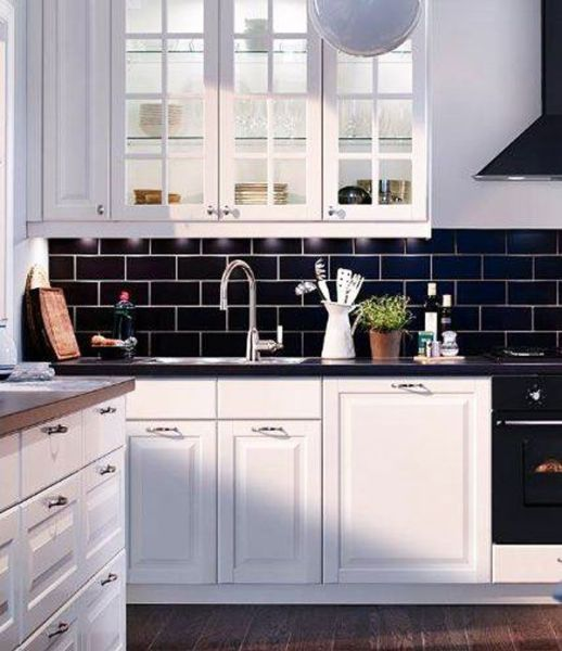 black kitchen tiles Do's & Don'ts for Decorating with Black Tile - Maria Killam - The True Colour Expert