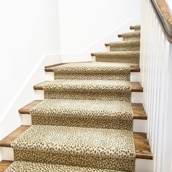 4 Steps To Choosing The Perfect Wall To Wall Carpet Colour   Beige Carpet On Stairs   Pattern   Dark Beige   Nice   Bound Edge   Hardwood Transition