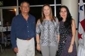 El escritor Morales Cruz y la escritora venezolana Carolina Fonseca