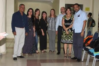 De izquierda a derecha : el escritor panameño Morales Cruz, la escritora venezolana Carolina Fonseca, Rosario Chercoles, Maria Chercoles y los escritores panameños Eduardo Jaspe , Olga de Olbaldía y Héctor Aquiles González