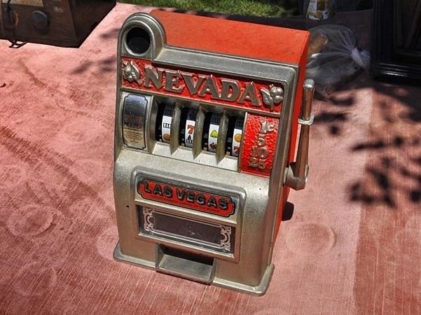 mini-slot-machine