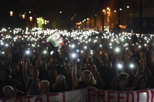 Peste 70.000 de oameni au ieșit pe străzile Budapestei în sprijinul Universității Central Europene