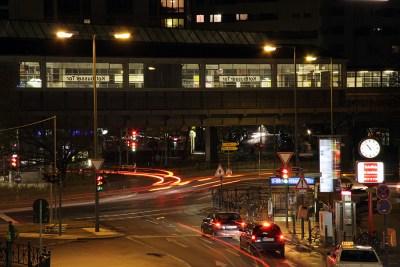 Foto: Kottbusser Tor Kreuzberg bei Nacht