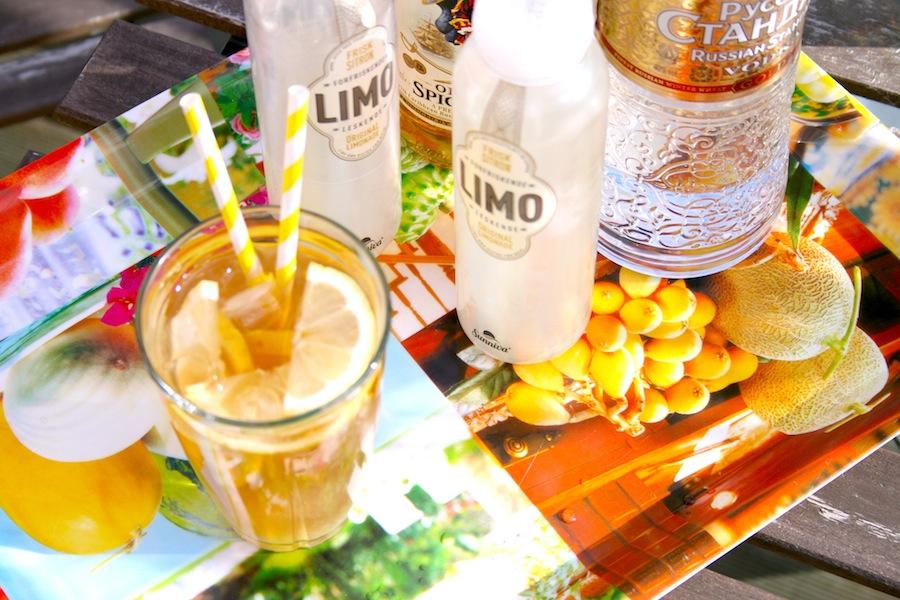 Enkle drinker med ferdigkjøpt limonade