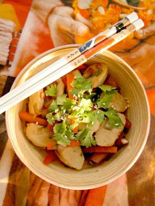 Ingeniørfruens-enkle,-billige-og-sunne-studentmat---wok-med-fiskeboller